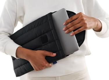 "BAGGU Puffy Laptop Sleeve 13""."