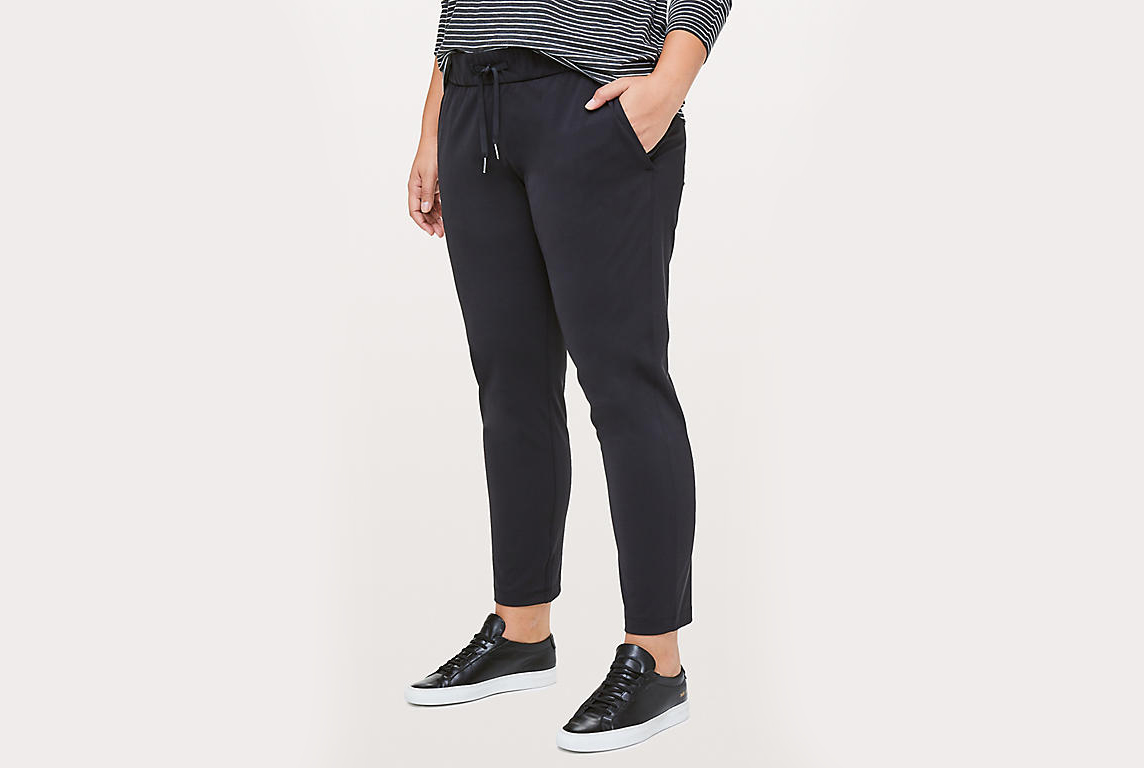 "On The Fly Pant 28"" lululemon"
