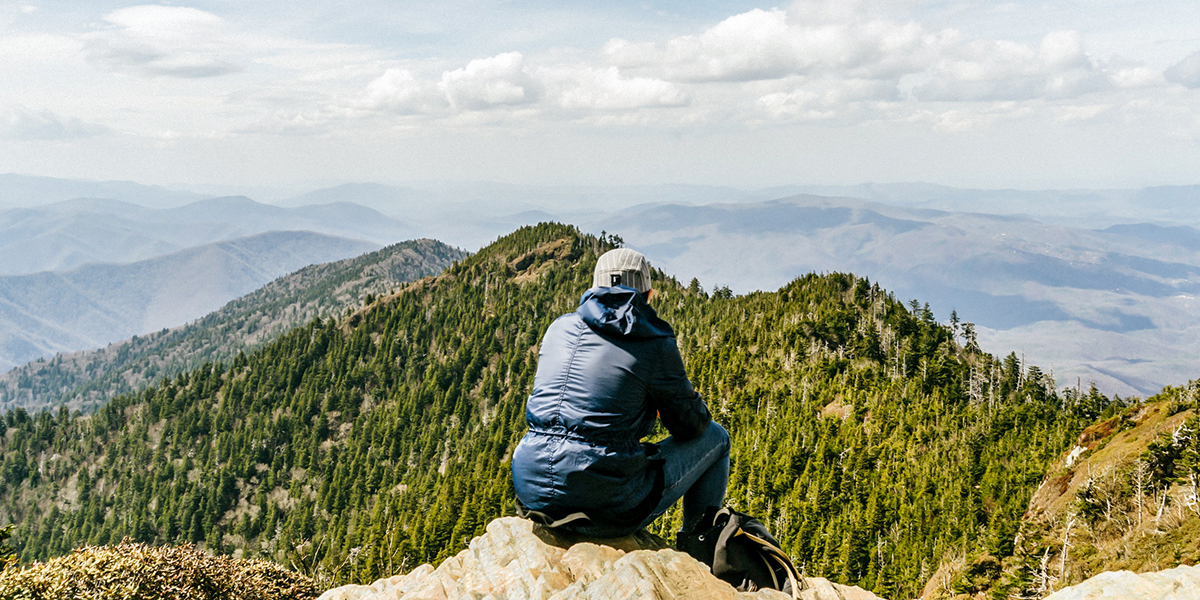 What to Bring With You On Every Hike: 10 Essentials for a Day Hike