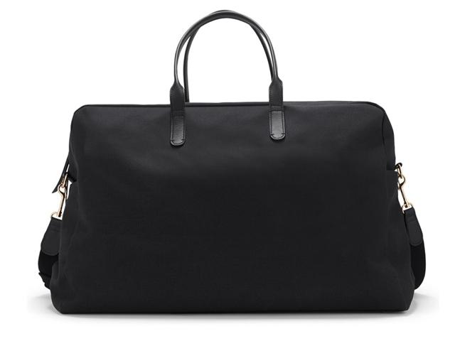 Cuyana Classic Weekender Bag.
