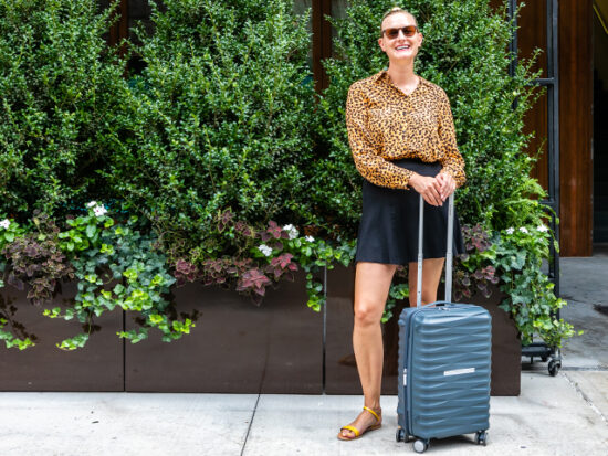 Megan with the Samsonite Voltage DLX 20″ Spinner.