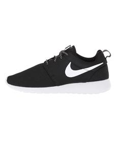 Nike Roshe One.