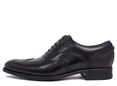 Ted Baker mitack brogues in black leather.