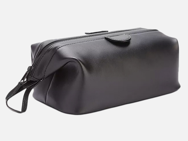 ROYCE New York Leather Toiletry Toiletry Kit.