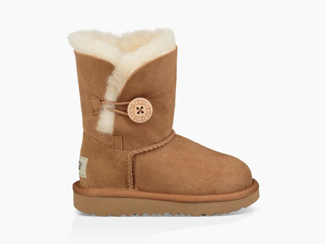 UGG BAILEY BUTTON II BOOT.