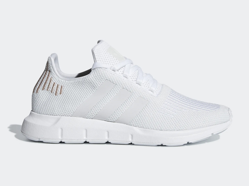 Adidas WOMEN'S ORIGINALS SWIFT RUN SHOES.