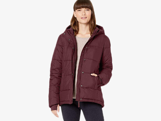 Amazon Essentials Women's Heavy-Weight Hooded Puffer Coat.