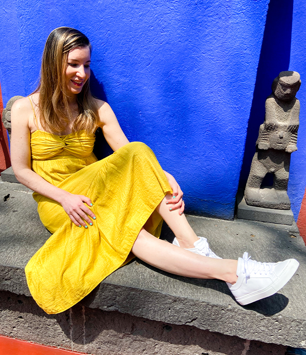 Anne wearing the M.Gemi Palestra Minimo Sneakers in Mexico City.